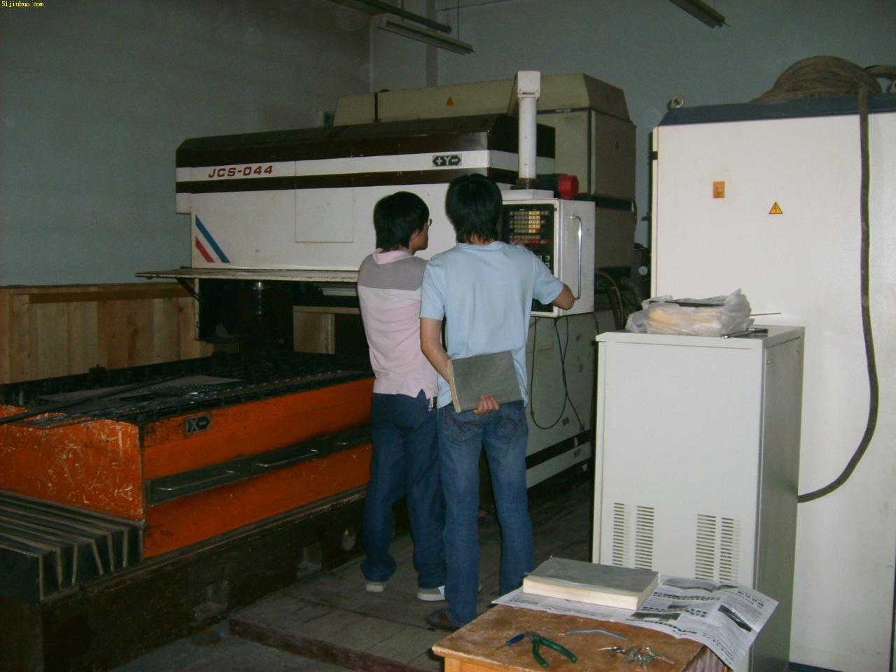 出售:二手jcs-044数控激光切割机